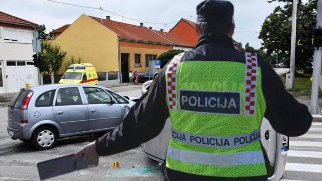 Vozačica (53) u podne napuhala 3,77 promila. Zamalo se zabila i u policijsku očevidnu ekipu...