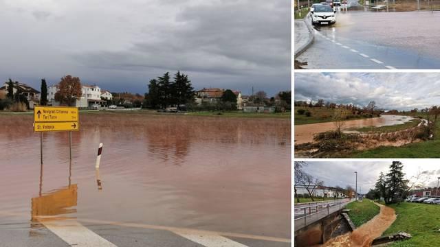 Potop u Istri: Zatvorene ceste, ima odrona, danas stiže nova obilna kiša,  a u gorju i snijeg