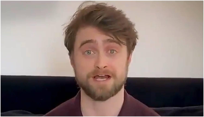 Fanovi su oduševljeni: Radcliffe čita 'Harryja Pottera' s kauča