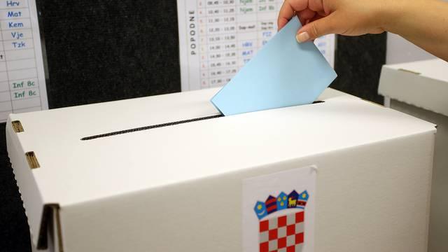 'Manjinski izbori': Prijepodne glasalo manje od četiri posto