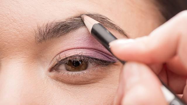 Istaknite obrve: Tri načina za postizanje savršenog okvira oka
