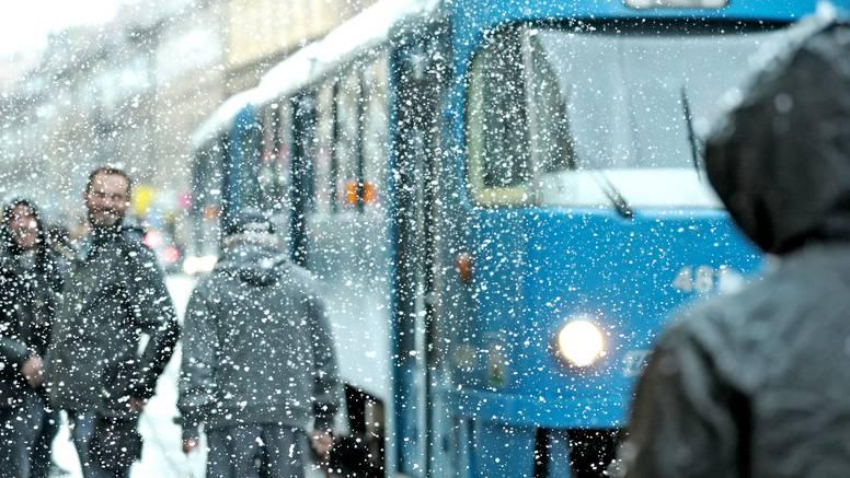 Snimanje reklame: Zagrepčane u centru grada iznenadio snijeg