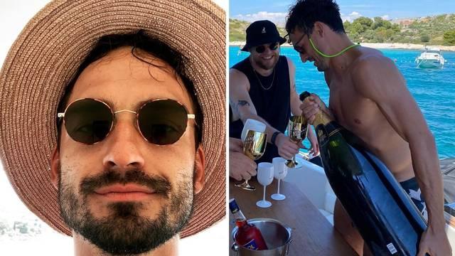 Hummels uživa na Jadranu: Na jahti točio ogromni šampanjac