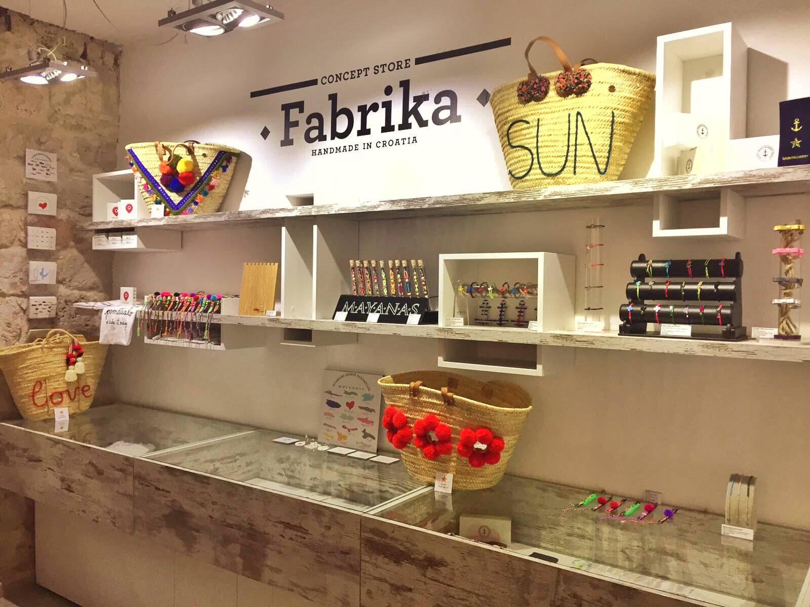 "Luka Nižetić otvorio ""Fabrika Concept Store"" u Komiži"