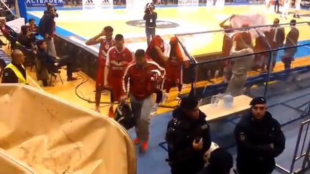 Kaos u Srbiji: Košarkaški meč prekinut zbog ispada Grobara