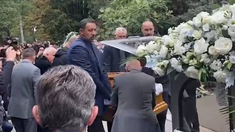 Pokopan Duda Ivković: Lijes mu nosili Dino Rađa, Zdovc i Divac