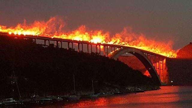 U spomen na Oluju Armada će u nedjelju obasjati Krčki most