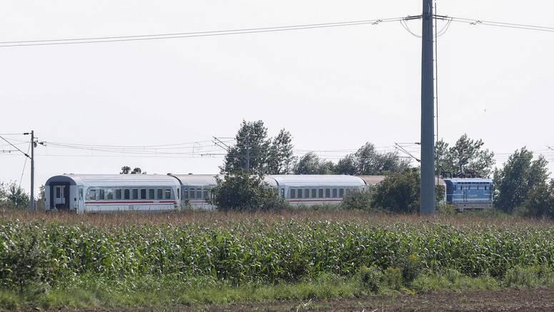 Vlak naletio na srušeno stablo kod Đurđevca, nema ozlijeđenih