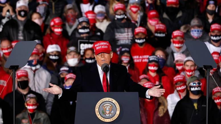 Trump prijeti odlaskom iz SAD-a ako izgubi, tviteraši u ekstazi: 'Ako to nije razlog za glasanje'