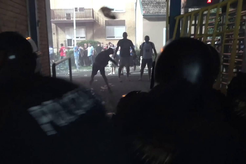 Policija objavila snimku nereda u Osijeku: Letjele cigle, baklje...