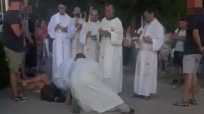 Potresna snimka egzorcizma iz Međugorja: 'Ta žena je vrištala'