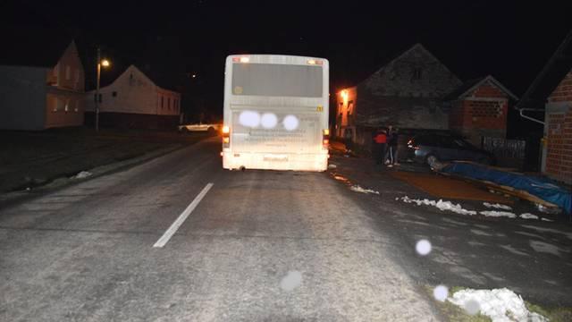 Pala dok je izlazila iz autobusa: Djevojci kotač prignječio nogu