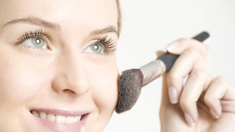 Ključni savjeti za 'clean' make-up: Od rumenila do podloge