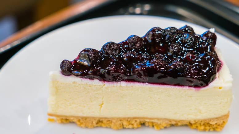 Kremasto osvježenje: Napravite cheesecake s finim borovnicama