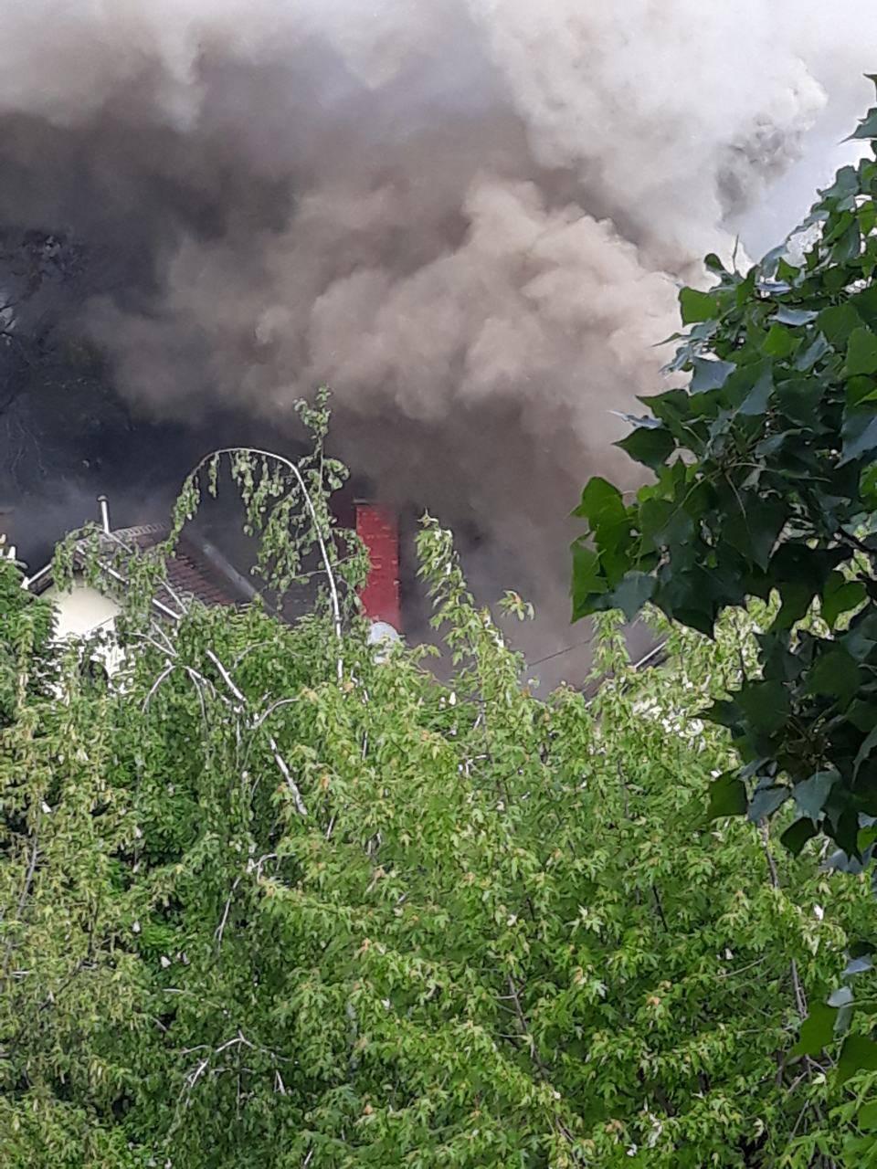 S dimnjaka se proširilo na cijeli krov: Gorjela pivnica u Zagrebu