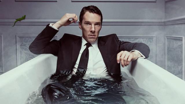 Opuštanje u Cannesu: Benedict ronio sa sunčanim naočalama