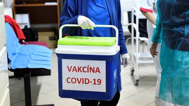 The coronavirus disease (COVID-19) outbreak in Slovakia