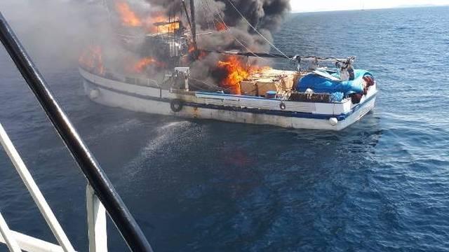 Požar progutao ribaricu: 'Gasili smo svime, vatra je bila brža'