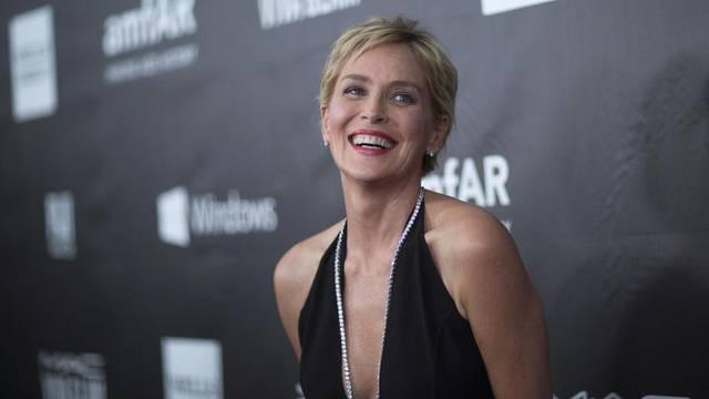 Sharon Stone osvanula gola na naslovnici: 'Ženo, stariš li ti?'