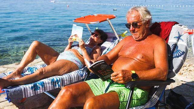 Austrijanci u Hrvatskoj: Rezultat testa na koronu čekamo na plaži