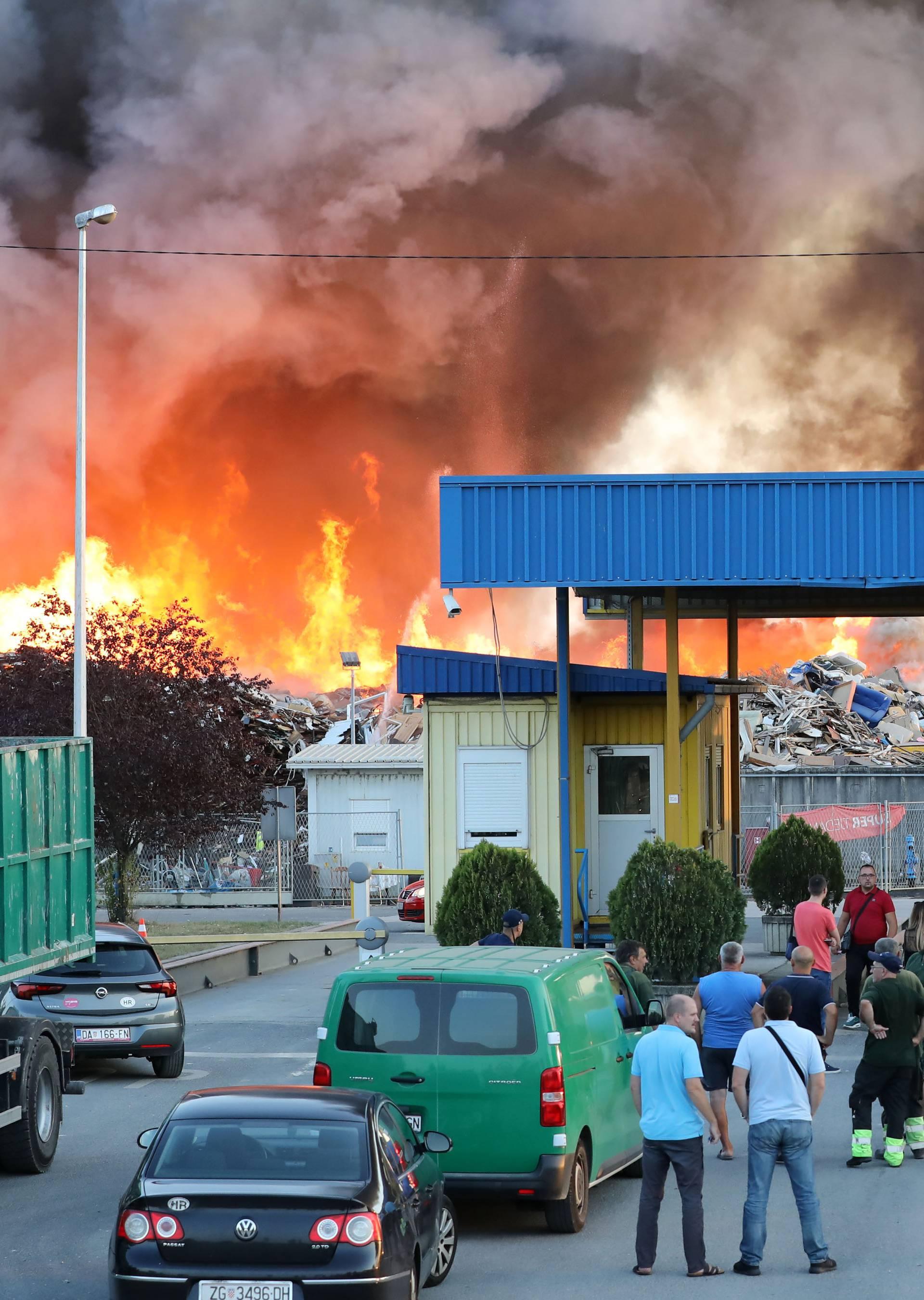Maras proziva Bandića: 'Reci tko je odgovoran za požar'