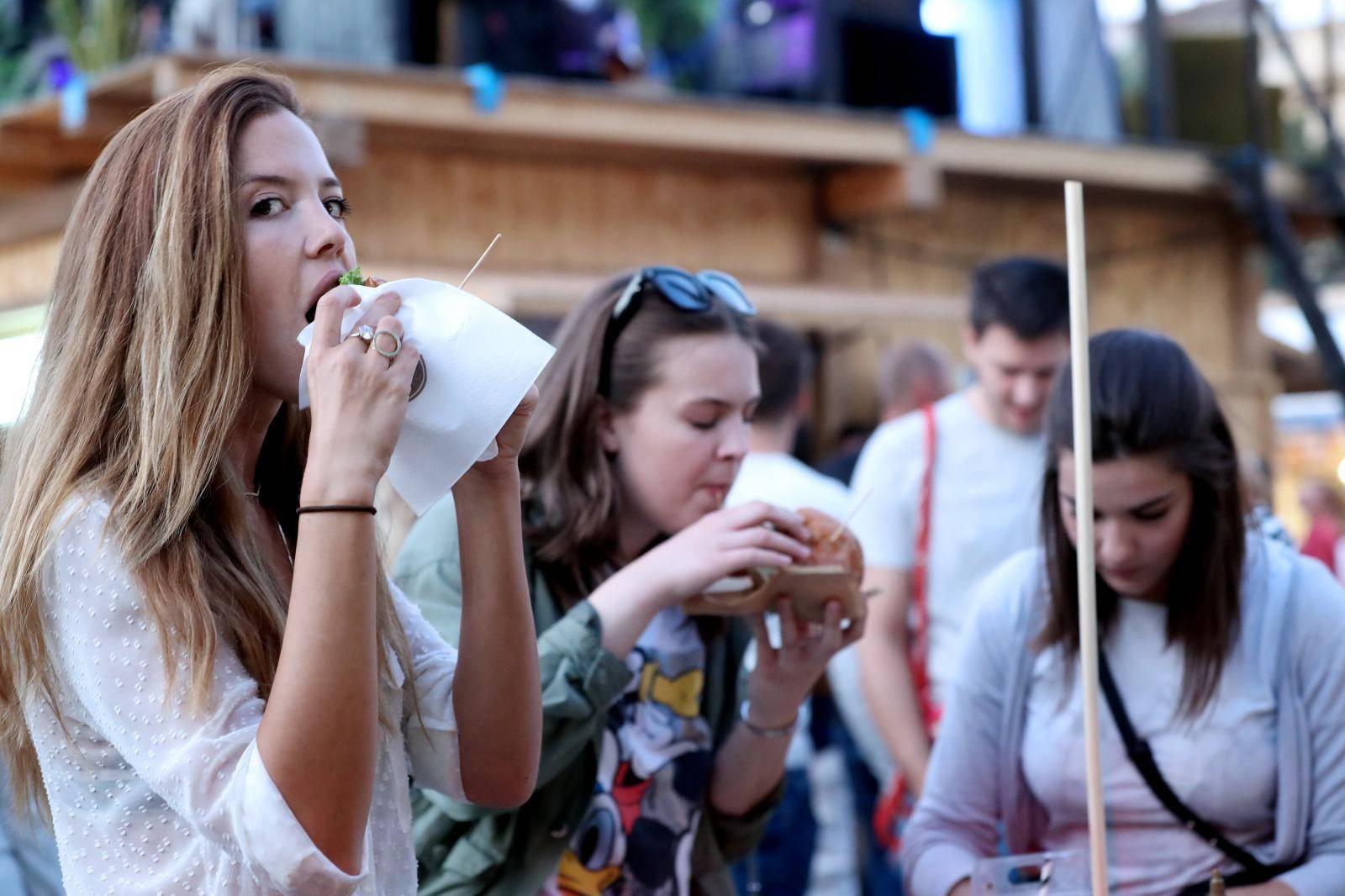 Zagreb: Na Strossmayerovom trgu počeo Zagreb Burger Festival