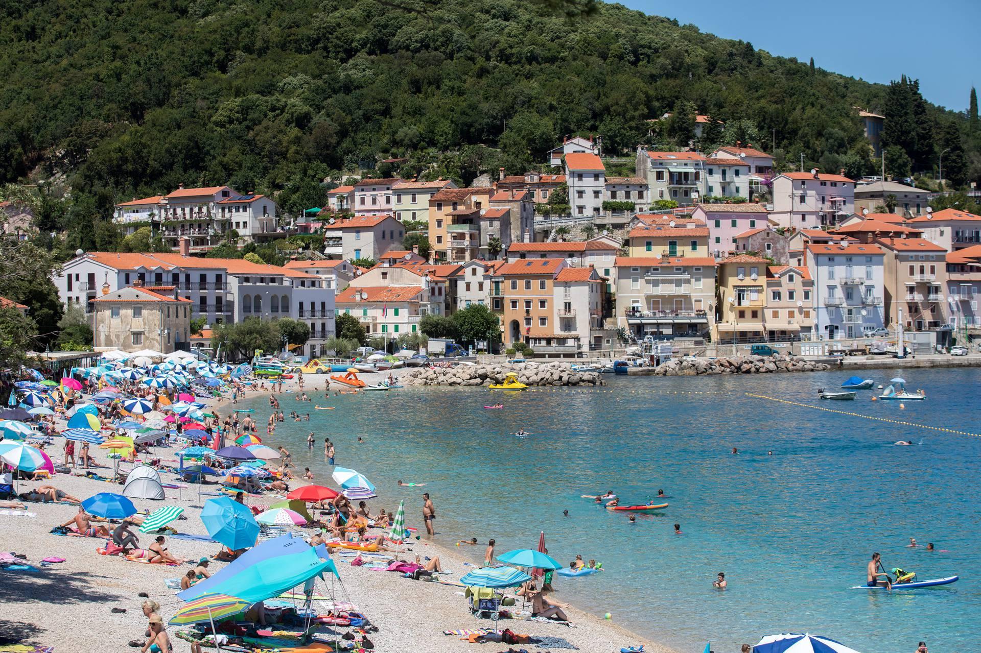 U ljetnim radostima uživalo se i na prelijepoj draškoj plaži Sipar
