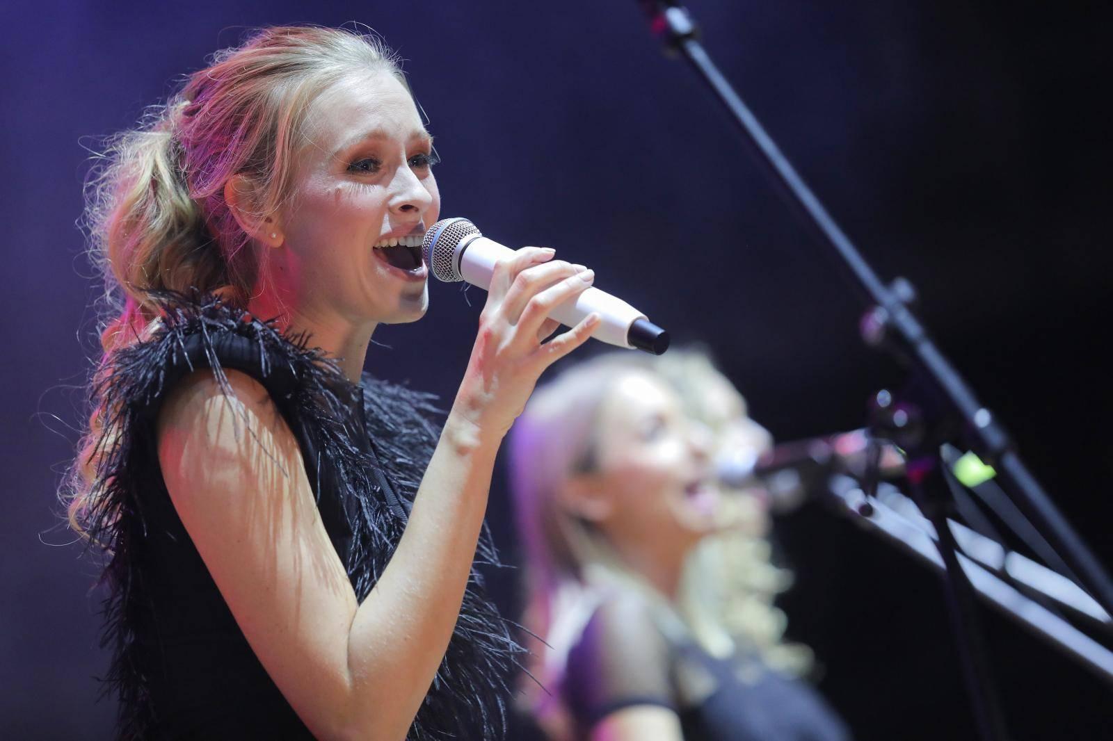 Domenica: Da mi Huljićeva kći napiše pjesmu, ona bi bila hit...