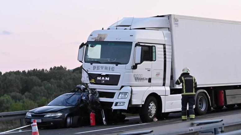 Policija objavila: Vozač kamiona iz BiH bio je na mobitelu kad je udario u auto, poginulo je dijete