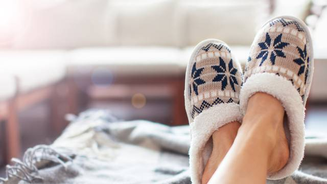 Kako je najbolje prati papuče i trikovi kako ih održati svježima