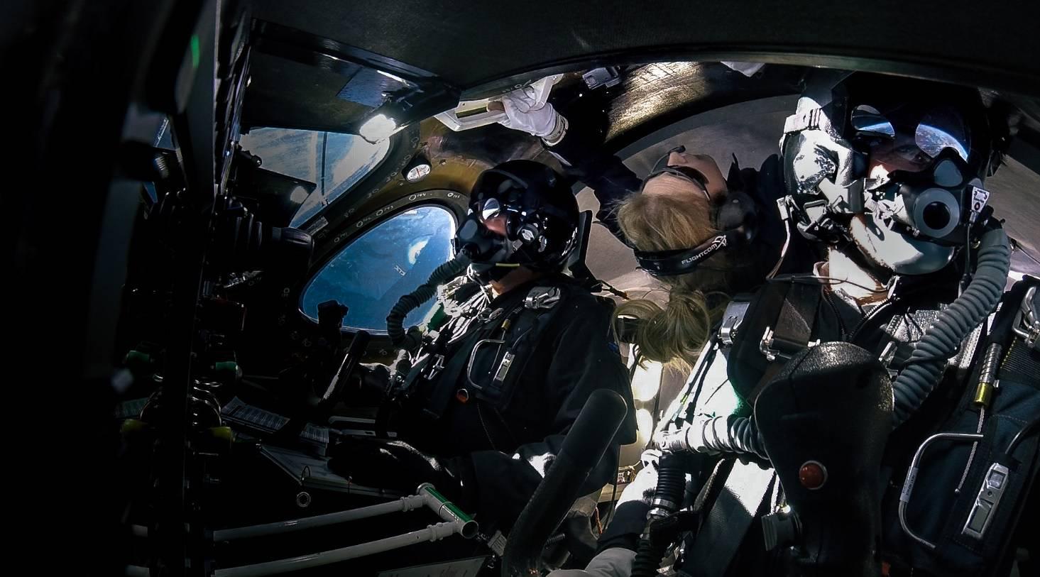 Virgin Galactic povezao prvu putnicu u svemir: Stižu turisti