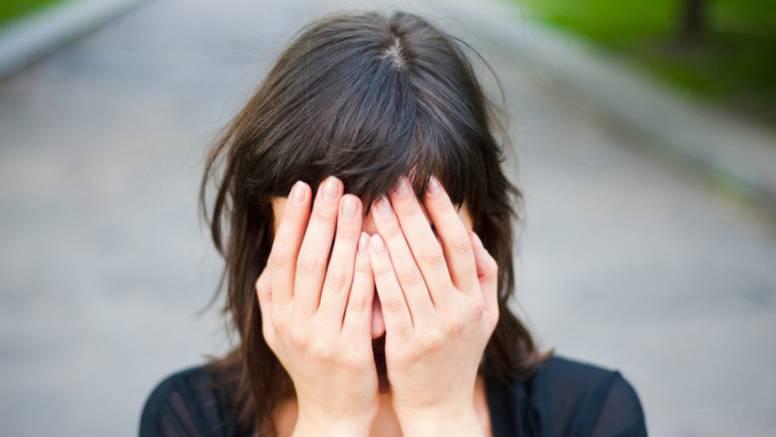 Žena (28) lagala da ima rak u terminalnoj fazi pa potrošila 22.000 funti donacija