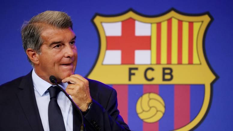 Teški dani za velikana: Barca igračima duguje 389 mil. €
