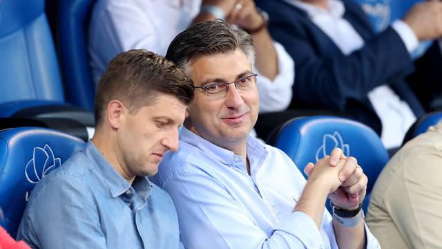 Umag: Premijer Andrej Plenković i Gari Cappelli stigli na polufinalni meč ATP turinira
