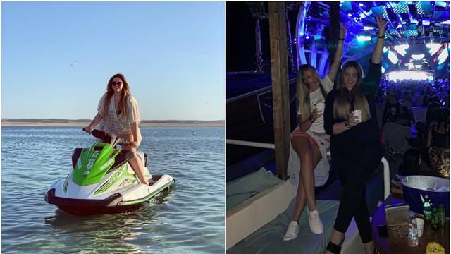 Lucija Šarić juri skuterom po moru, a 'skočila' je i do Zrća