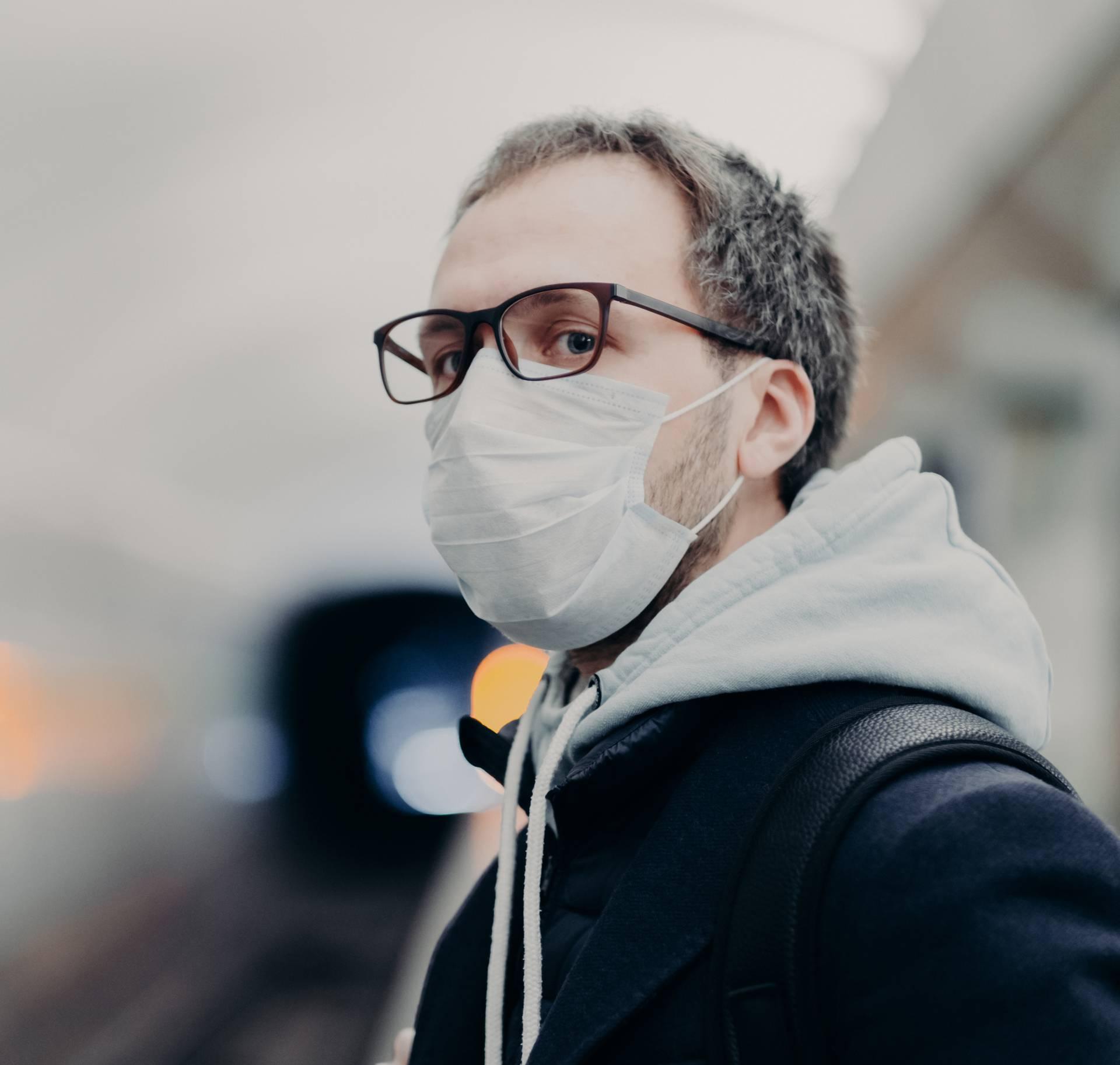 Maska i naočale: Savjeti kako da vam se stakla ne zamagle