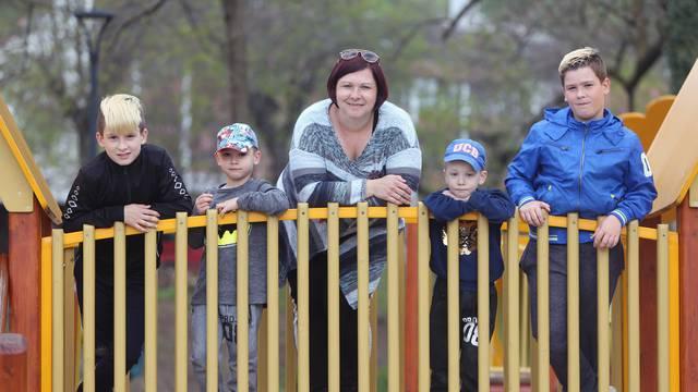 Neumorna mama s četiri sina: Dajem im savjete o nogometu