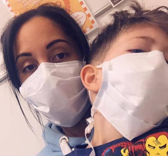 Moj sin (5) ima koronu i pitao me: 'Mamice, hoću li umrijeti?'