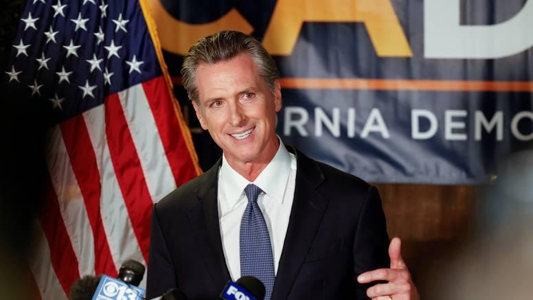 Kalifornija: Guverner ostao na vlasti nakon poziva za opoziv