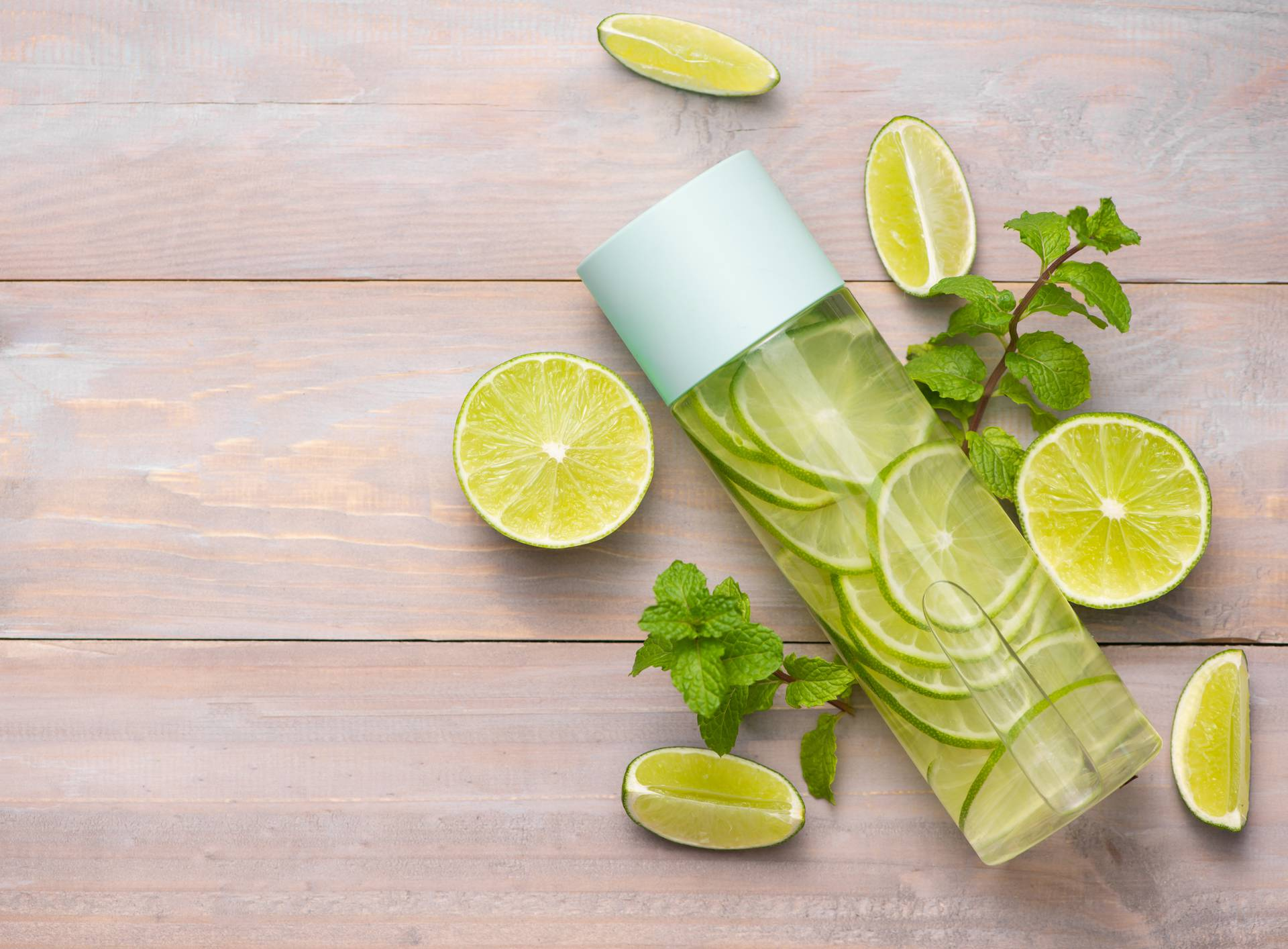 Čudesna Sassy voda: Limun i đumbir otapaju salo oko trbuha