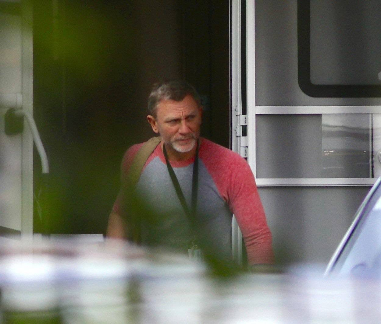 EXCLUSIVE: Daniel Craig seen at Pinewood studios after filming of the new James Bond film was stopped due to him injuring himself