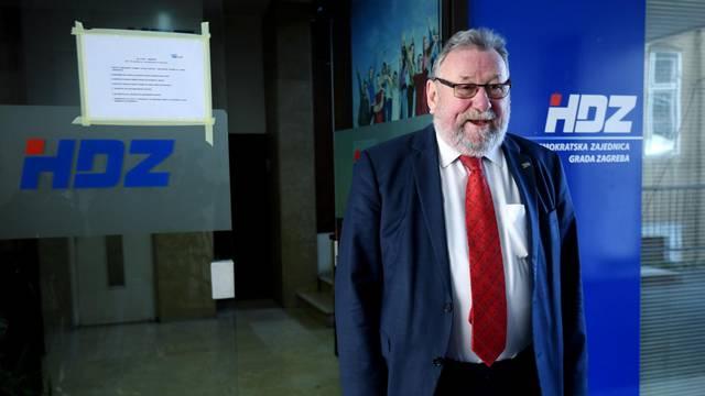 Zagreb: Vladimir Šeks glasao na unutarstranačkim izborima