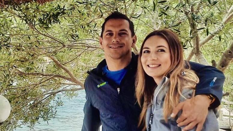 Uživaju zajedno: Mario Valentić u zagrljaju voljene Ljiljane (39)
