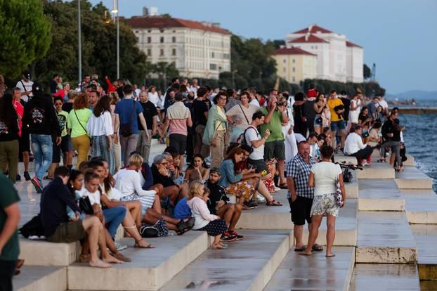Iako je početak rujna, ulice Zadra pune su turista