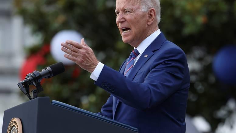 Biden osudio odluku Vrhovnog suda o zabrani pobačaja: 'Ovo izaziva neustavni kaos'