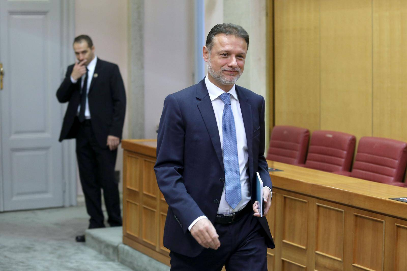 Zagreb: 15. Sjednica Sabora,  Rasprava o prijedlogu zakona o proglašenju Vukovara mjestom posebnog domovinskog pijeteta