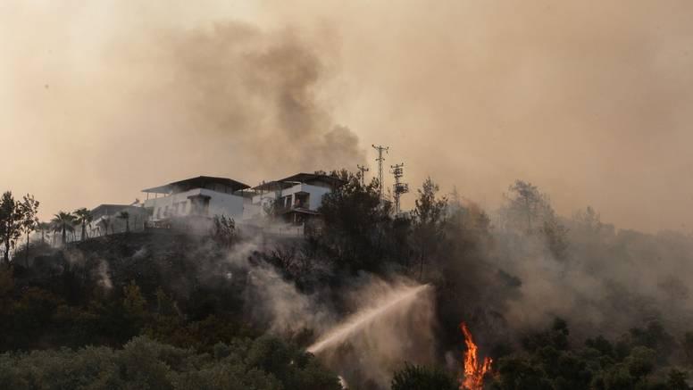 Ugašen požar koji je prijetio termoelektrani Kemerkoy