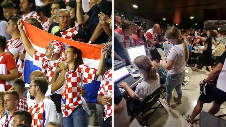 VIDEO Na Poljudu ovacije za olimpijce, Mandžukića, Dalića, a stotine zapele zbog testiranja