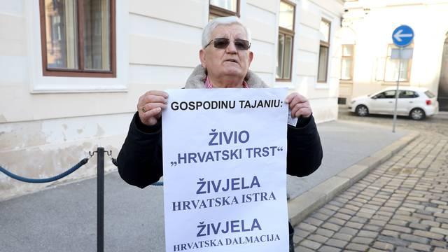 Zagreb: Antun Babić prosvjedovao ispred Banskih dvora zbog izjave Tajania