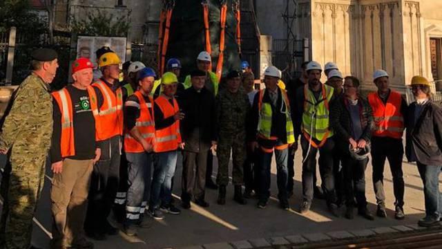 Ovo je ekipa koja je skinula vrh tornja: Bozanić im je čestitao